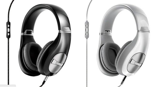 Deals: Samsung 4K Monitor, $700 MacBook Air, Semi-Smart Outlets