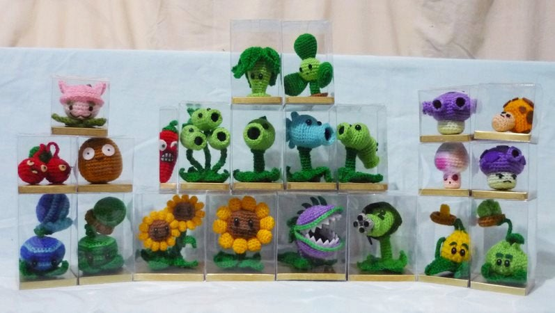 Crocheted Plants vs. Zombies dolls are ready to battle ...
