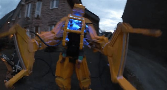 Aliens Power Loader Costume Is The Real Deal