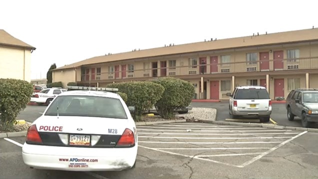 Three-Year-Old Shoots Dad, Pregnant Mom with Handgun in NM Motel Room
