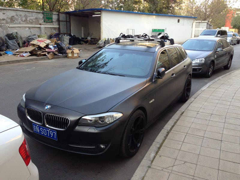Matte-black 5 series longroof rules the Beijing Streets