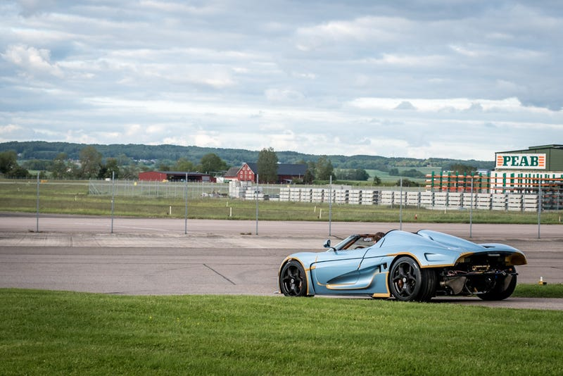 koenigsegg regera jalopnik with The Koenigsegg Regera Is Still The Craziest Car Of 2015 1713112110 on The Koenigsegg One 1 Is Swedens 280 Mph Carbon Fiber H 1532088783 furthermore Koenigseggs Mad Genius Ceo Can Track Every Koenigsegg C 1793302038 as well Christian Von Koenigsegg Specs His 1 9 Million Superca 1793712626 also Showthread likewise The Koenigsegg Regera Is Still The Craziest Car Of 2015 1713112110.