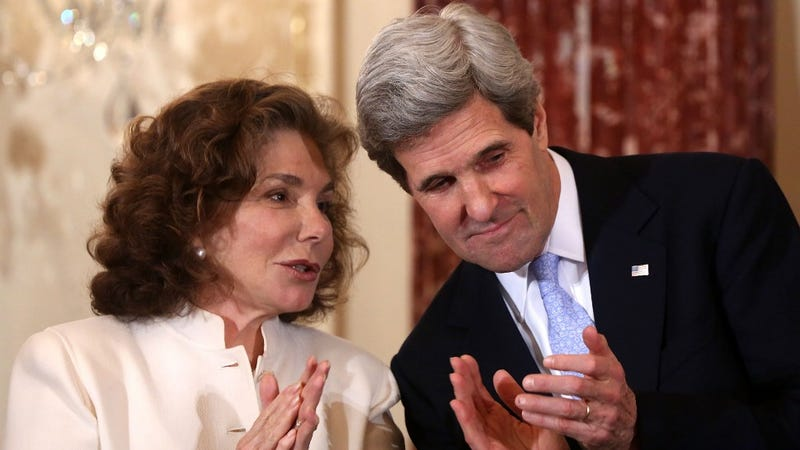 Breaking: Teresa Heinz Kerry Hospitalized, In Critical Condition