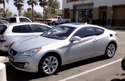 2010 Hyundai Genesis Coupe Chillin' In SoCal