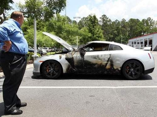GT-R Locked In Nissan Showroom Catches Fire