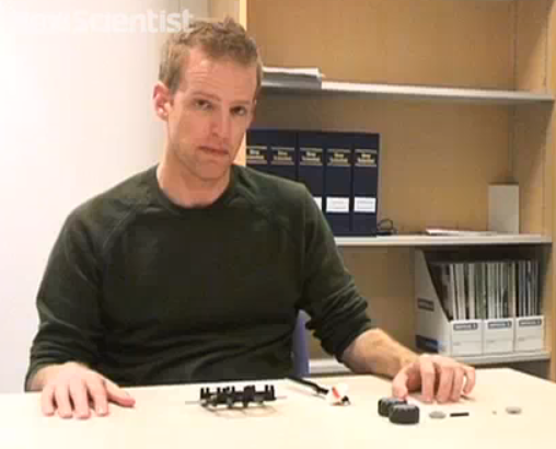 How to Build a Compass Out of Lego—Without Using Any Magnets