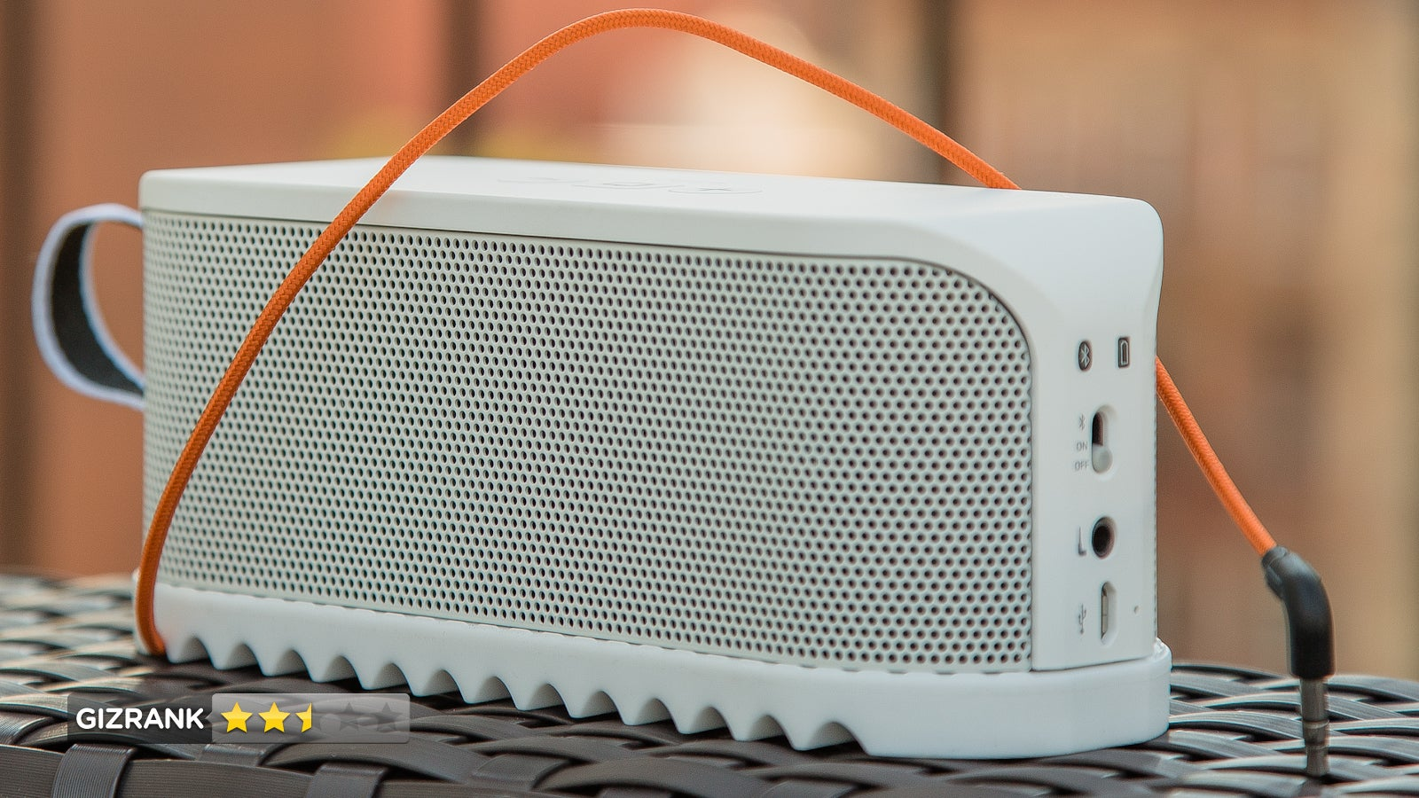 Jabra Solemate Review: This Fresh Looking Bluetooth Speaker Won't Party