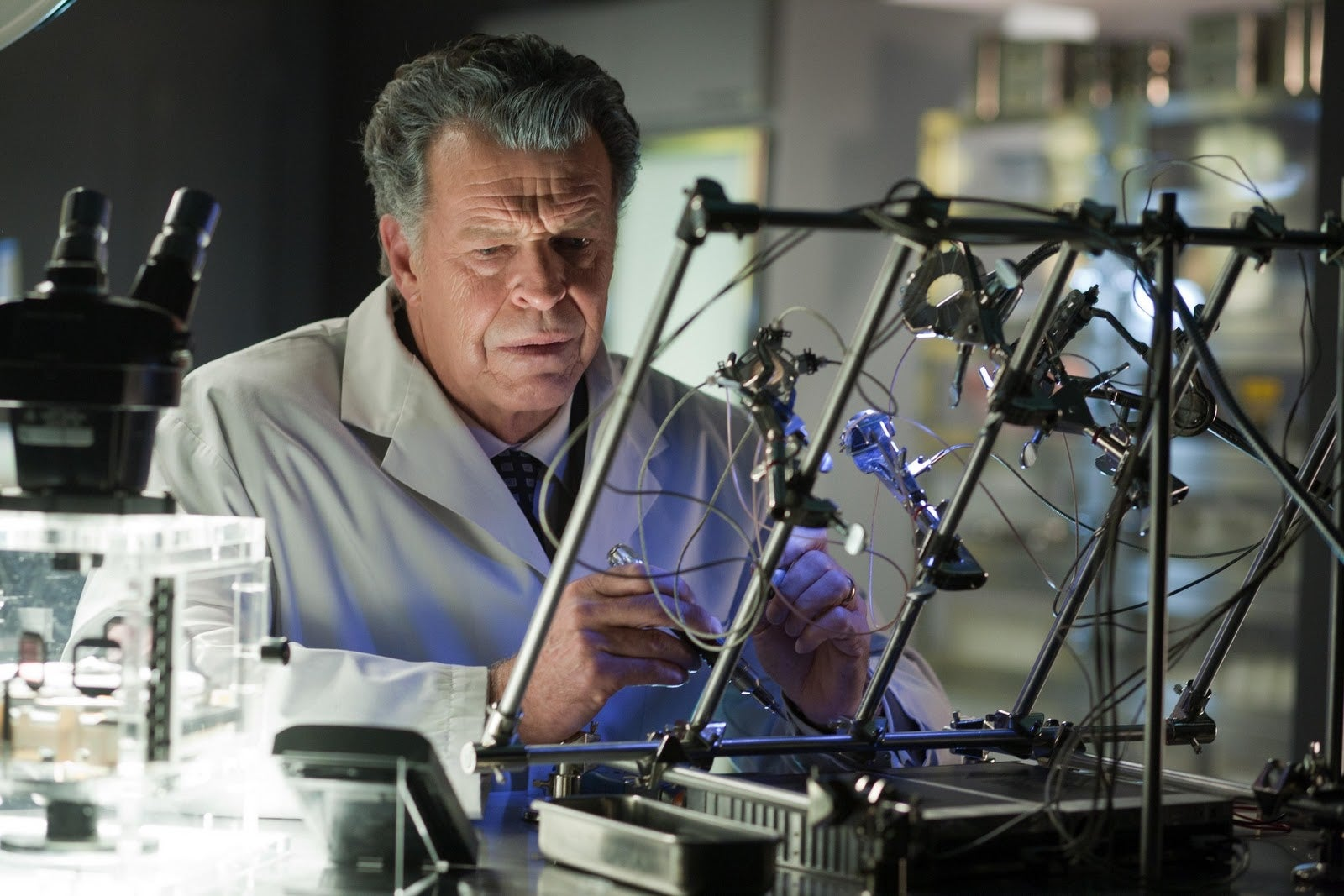 Fringe reminds us why John Noble deserves a freaking Emmy