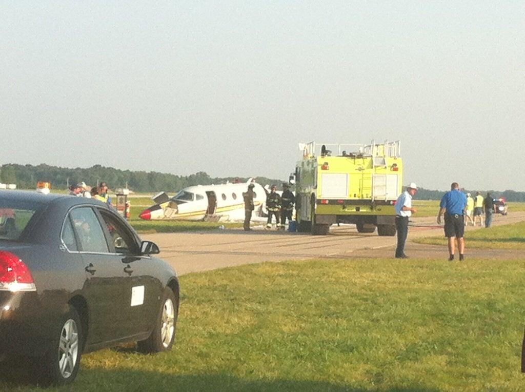 nascar 39 s jack roush crashes plane in wisconsin. Black Bedroom Furniture Sets. Home Design Ideas