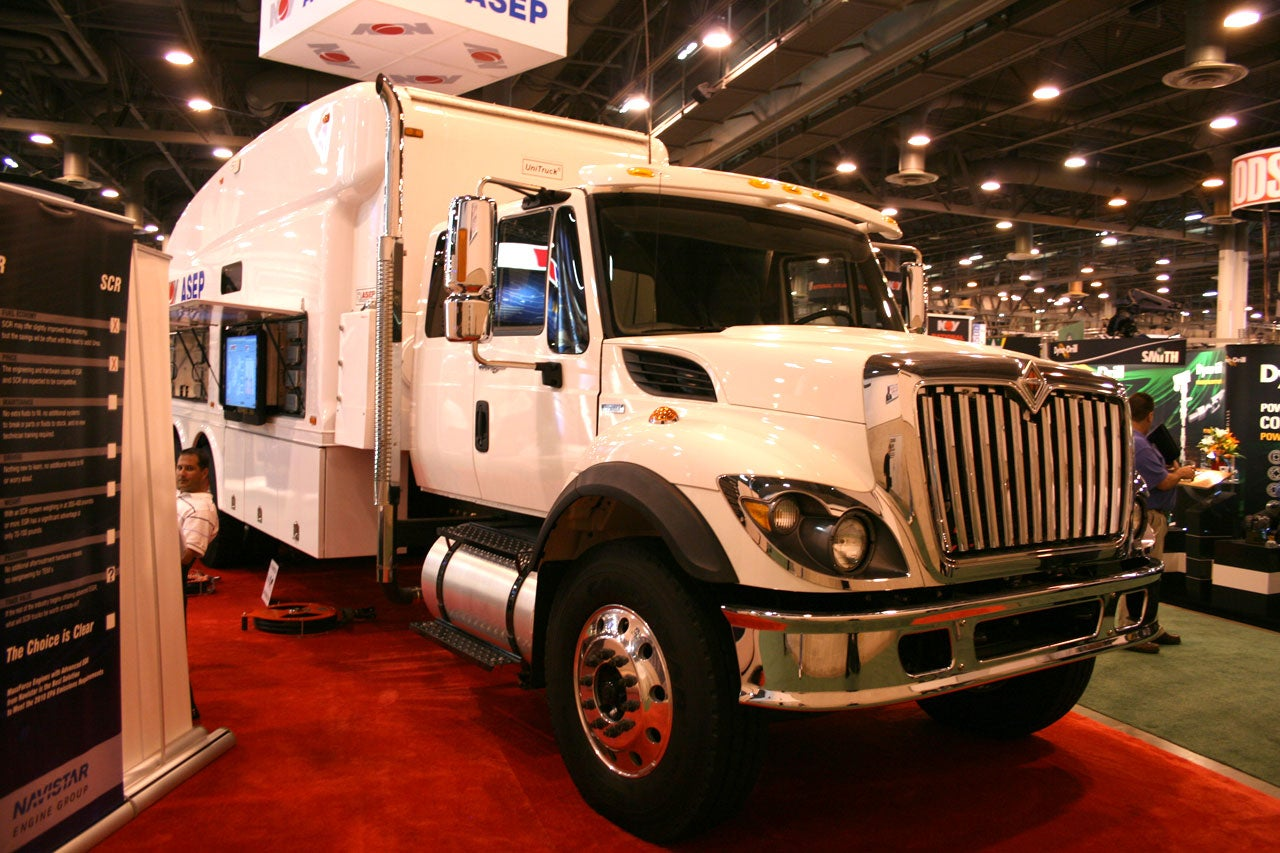 International Wireline Trucks