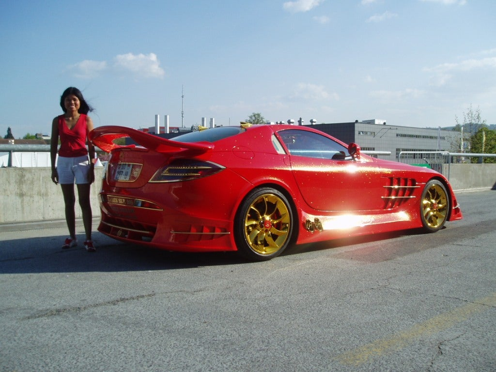 The Fabulous Lifestyle of Ueli Anlicker, The Red Gold SLR Guy