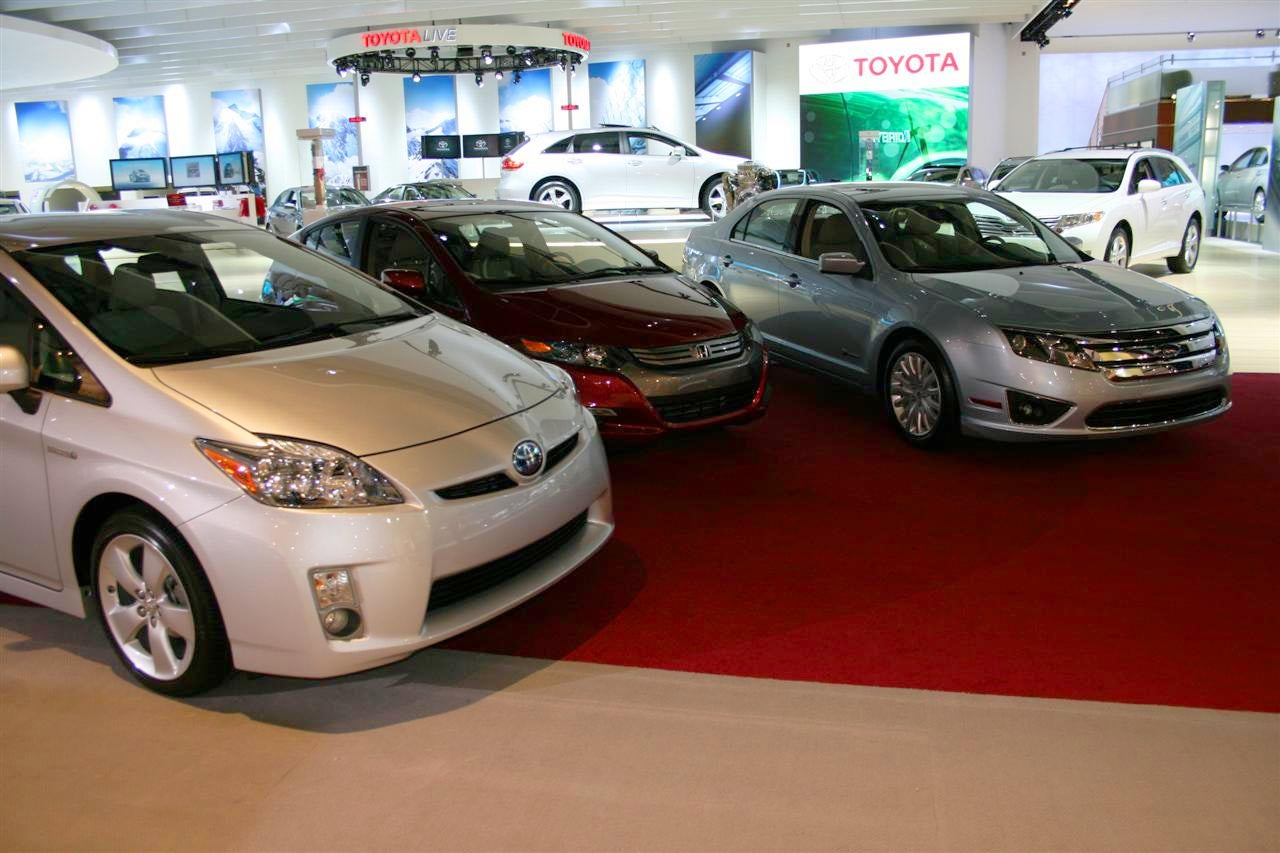 First Photo Of 2010 Toyota Prius, 2010 Honda Insight Together