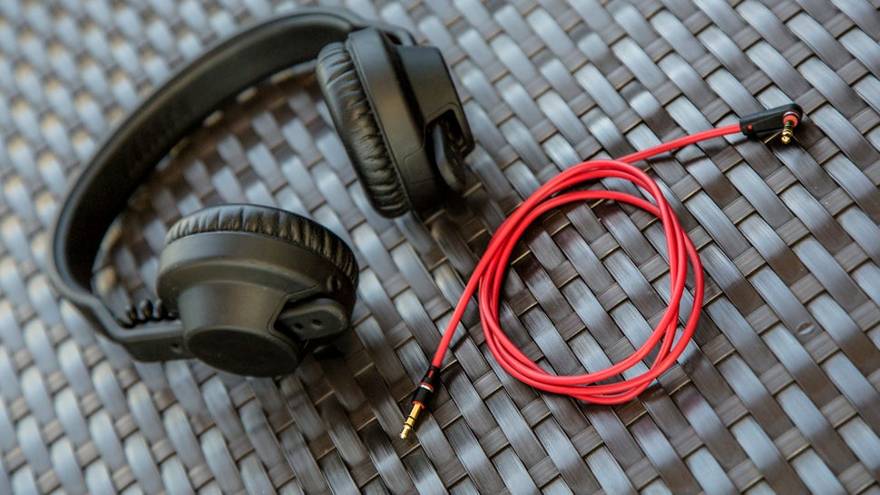 Getting a Shorter Headphone Cable Will Change Your Life