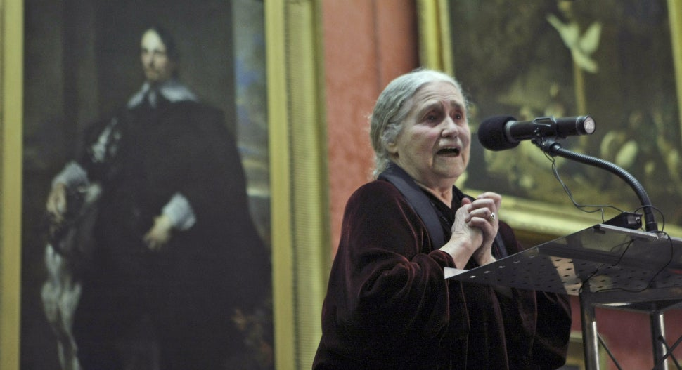 Nobel Prize Winning Author Doris Lessing Dead at 94