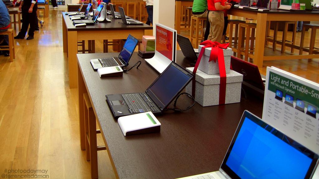 buying-guide computers laptops saving-money shopping