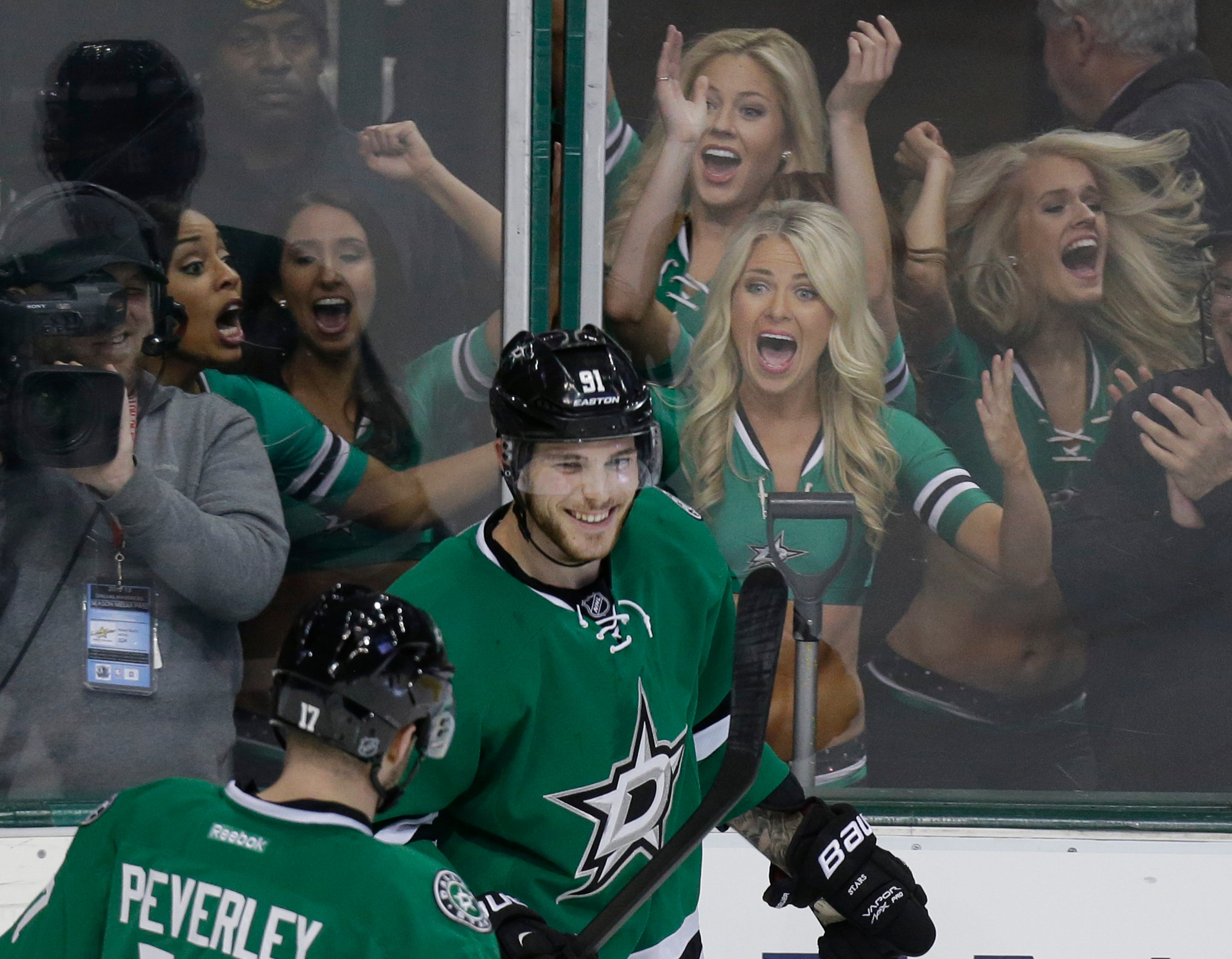 Tyler seguin s hat trick makes ice girls flip out