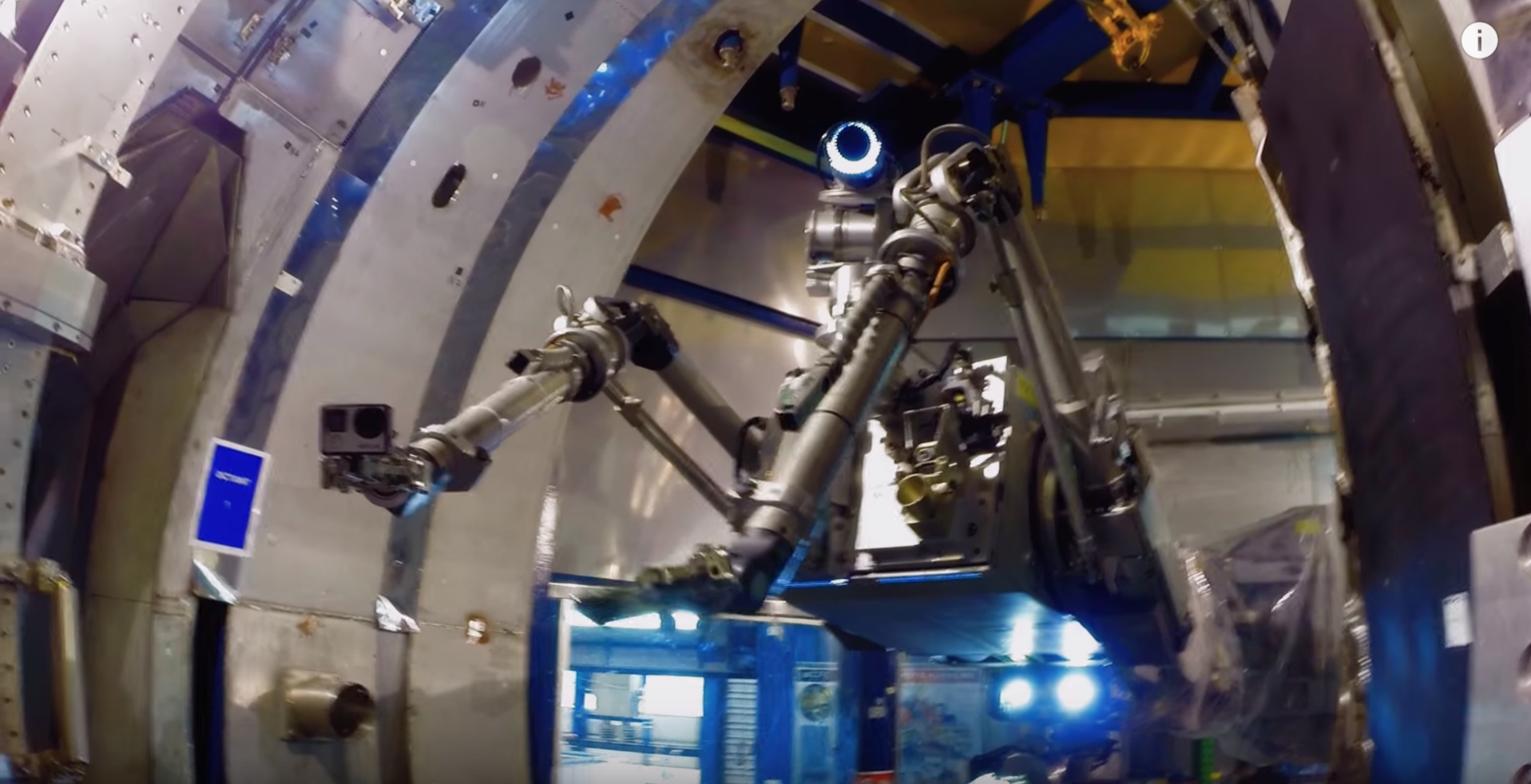 nuclear-reactors robots video