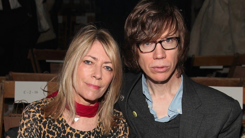 Thurston Moore Confirms He Is a Dick