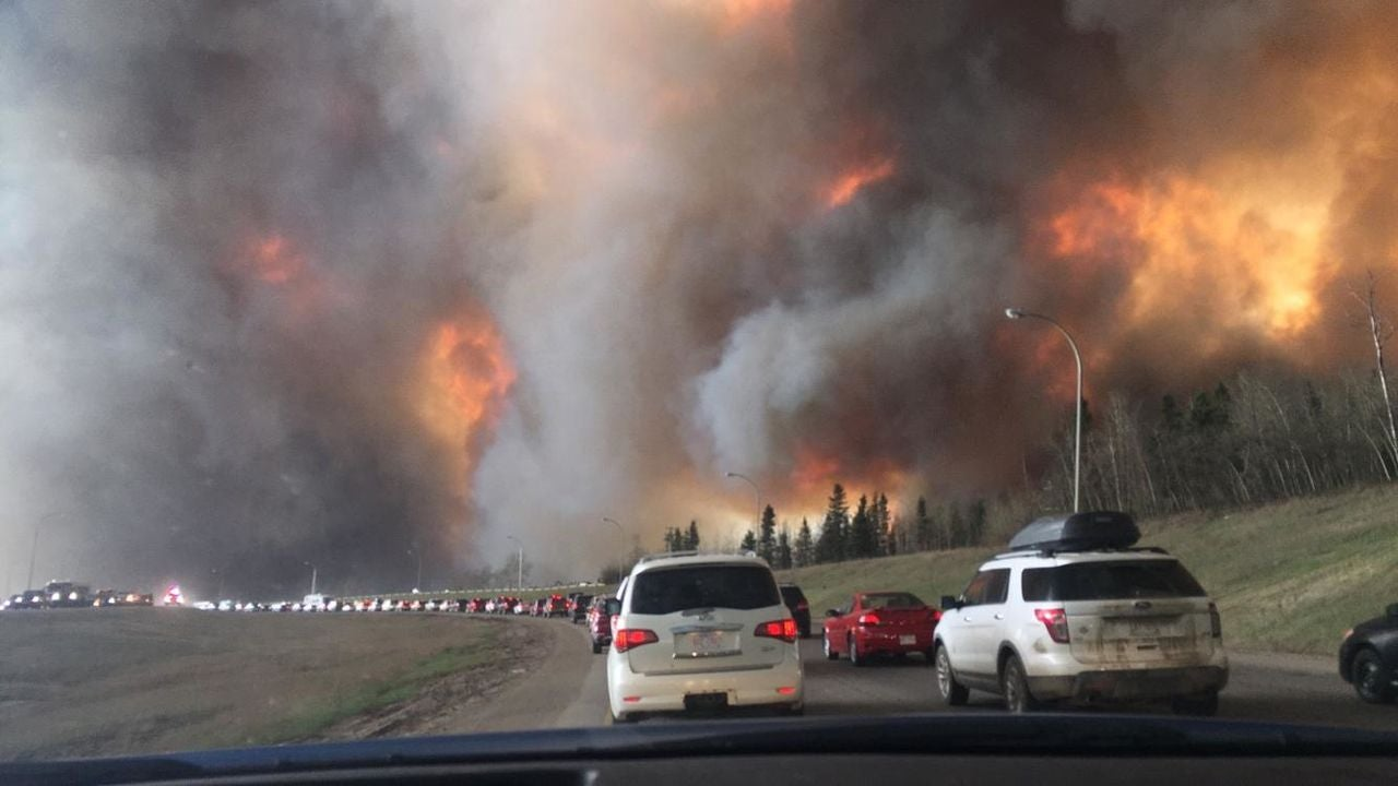 2016-fort-mcmurray-fire alberta bushfires natural-disasters state-of-emergency wildfires