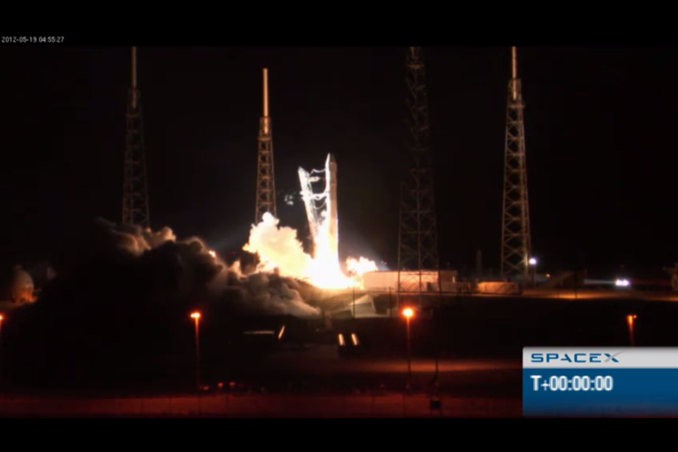 SpaceX's first bid at cab service to ISS is a bust