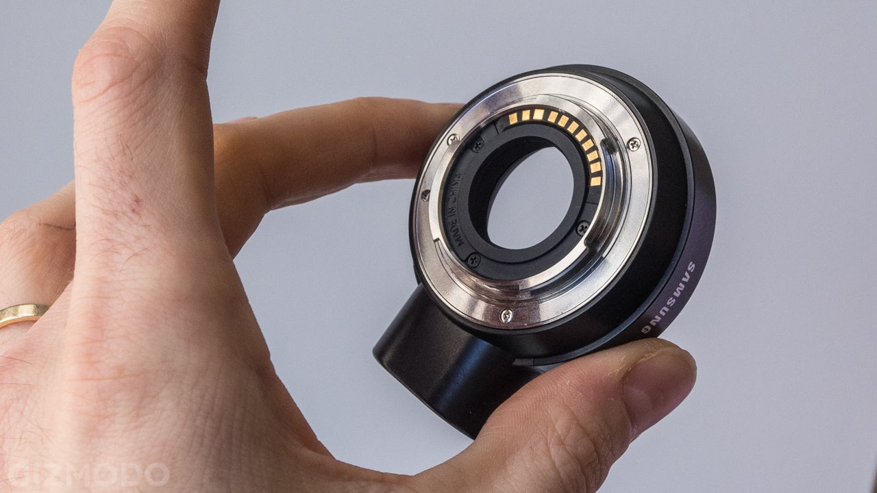 Samsung NX Mini: A Tiny New Camera System For the Selfie Generation