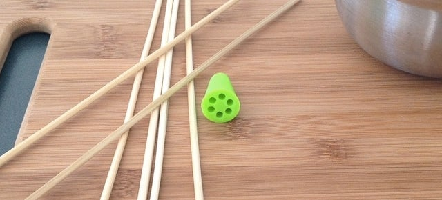 3D-Printed Adapter Turns Bamboo Skewers Into an Easy-Clean Whisk
