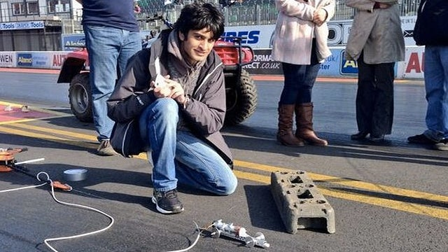 The World's Fastest Model Rocket Car Just Hit 285 mph