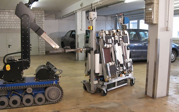 This Gang of Flat Robots Can Autonomously Steal (Or Park) Your Car
