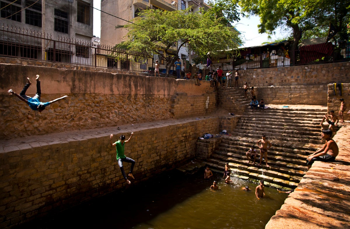 Photos of India's Deadly, Street-Melting Heat Wave