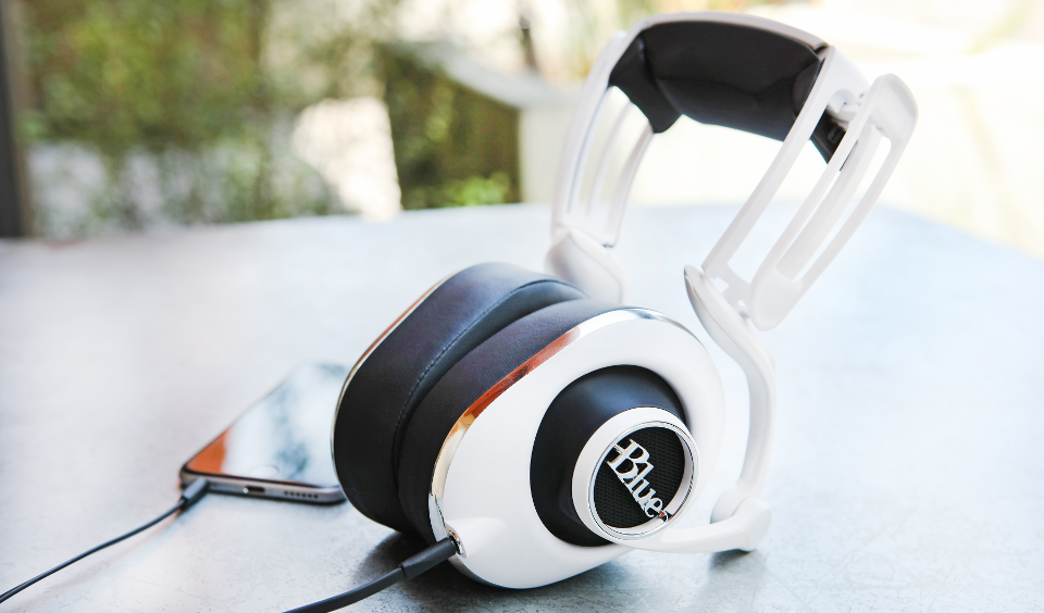 Blue's Lola Headphones Are A More Practical Evolution Of A Crazy Idea