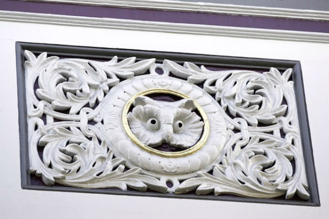 What the Secret Symbols in Victorian Architecture Really Mean