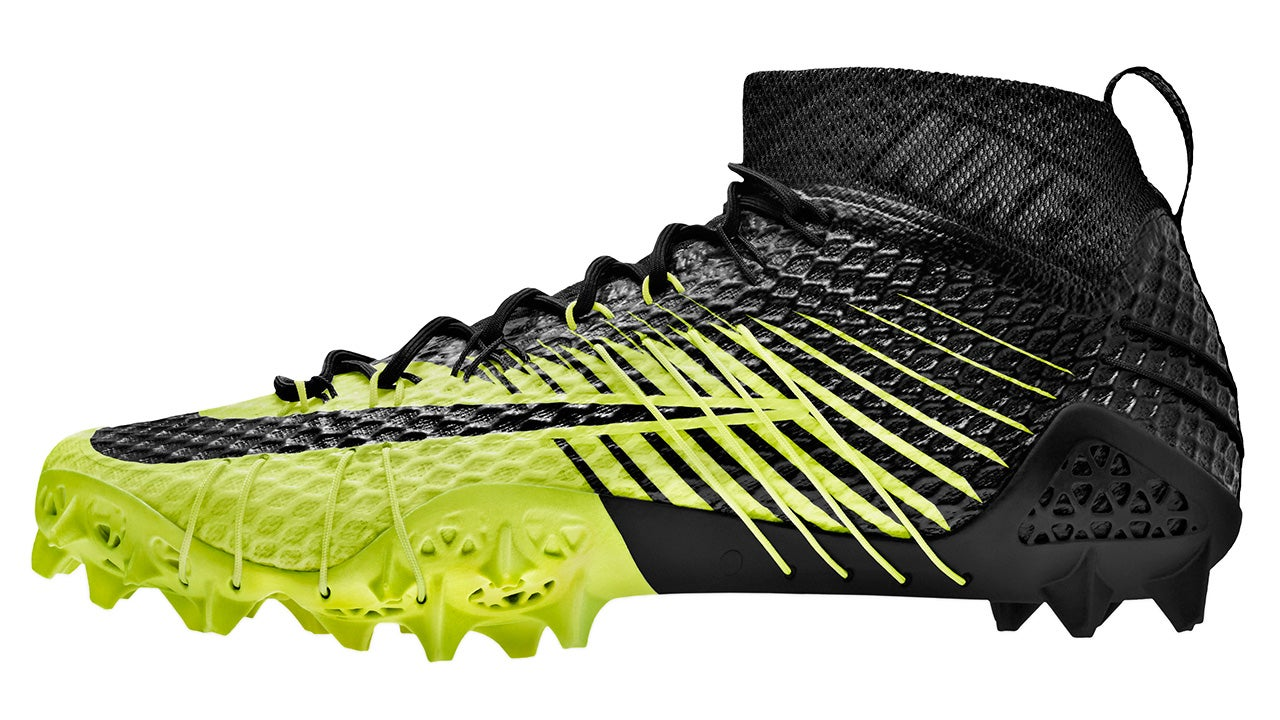 Nike's Aggressive New Cleats Help Football Players Turn On a Dime