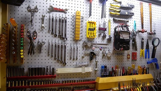 How to take care of your tools lifehacker australia for Help me build a house