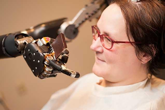 Mind-control breakthrough: Quadriplegic woman flies F-35 with her mind