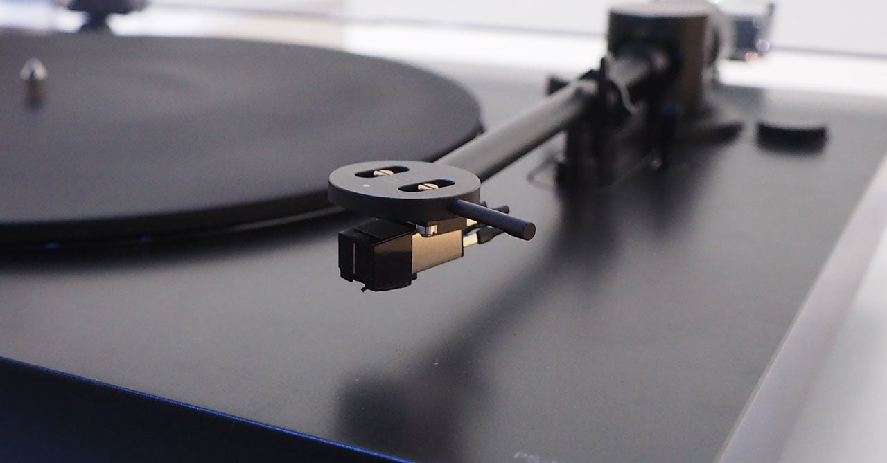 Sony's Sleek New Turntable Makes Me Want to Rob a Record Store