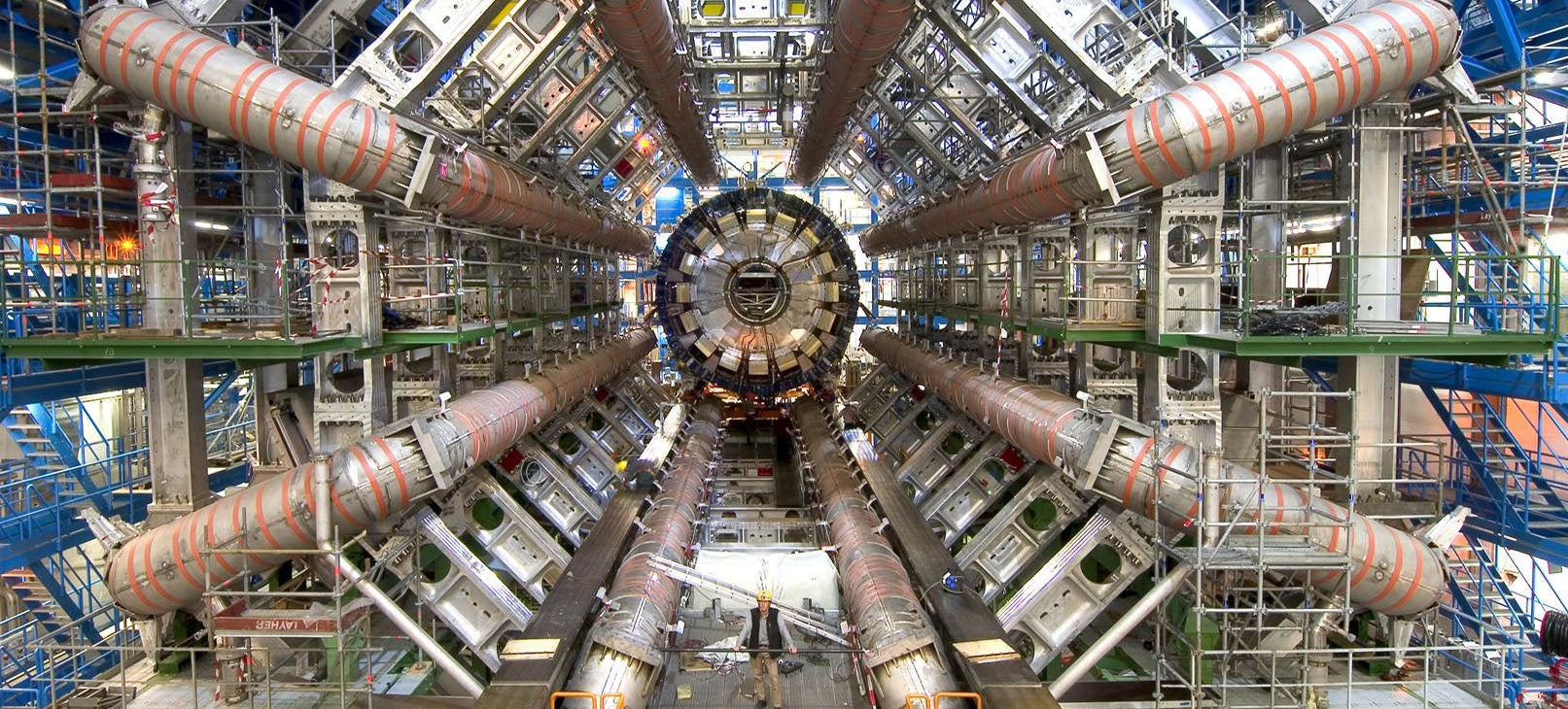 360 Video of the LHC Is an Amazing Reminder of How Big the Damn Thing Is