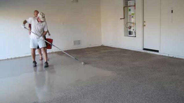 How to install epoxy garage floor coating lifehacker for Garage flooring adelaide