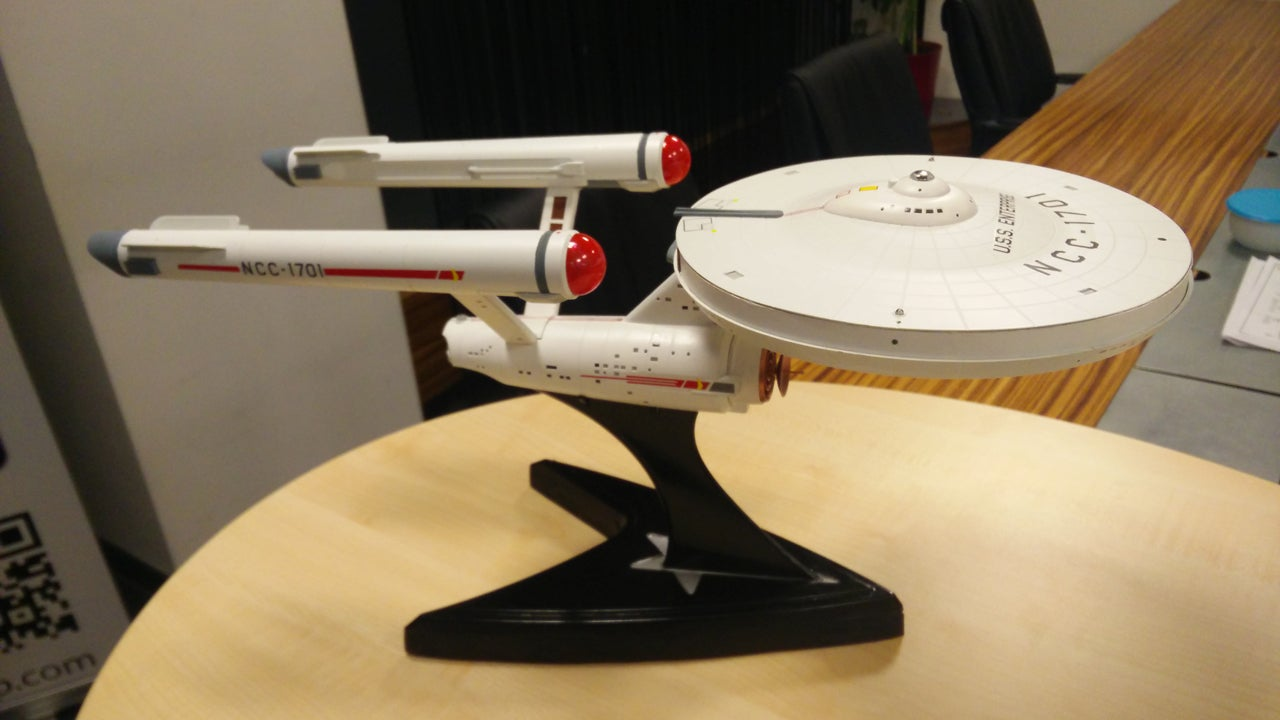 Every Wi-Fi Router Should Look Like The USS Enterprise