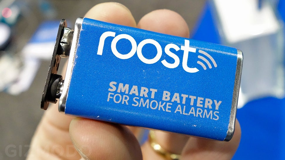 A Smart 9-Volt Battery Adds Phone Notifications to Any Smoke Detector
