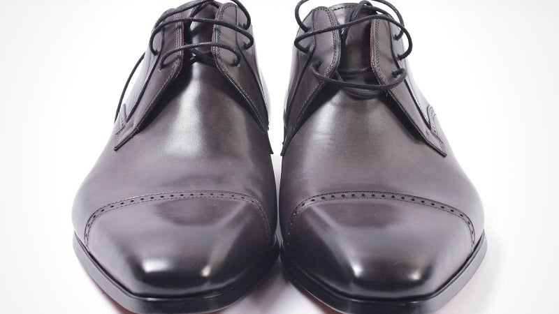 Why You Shouldn't Wear the Same Pair of Leather Shoes Every Day