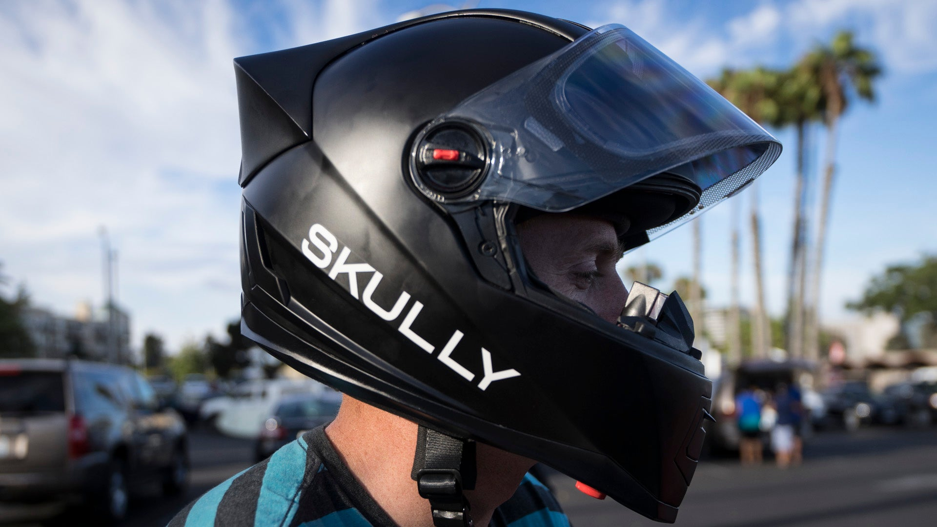 Hands On With The World's First HUD Motorcycle Helmet