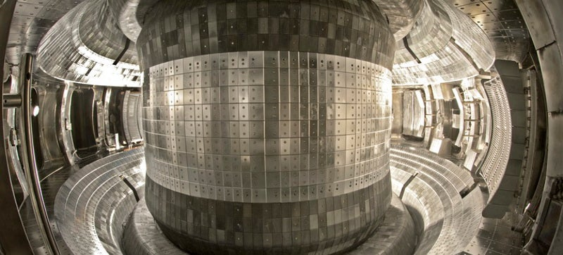Chinese Fusion Test Hits 90 Million Degrees for 102 Seconds