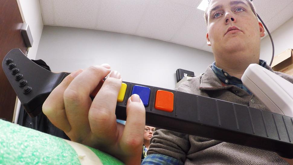 Brain Implant Enables Quadriplegic Man To Play Guitar Hero With His Hands