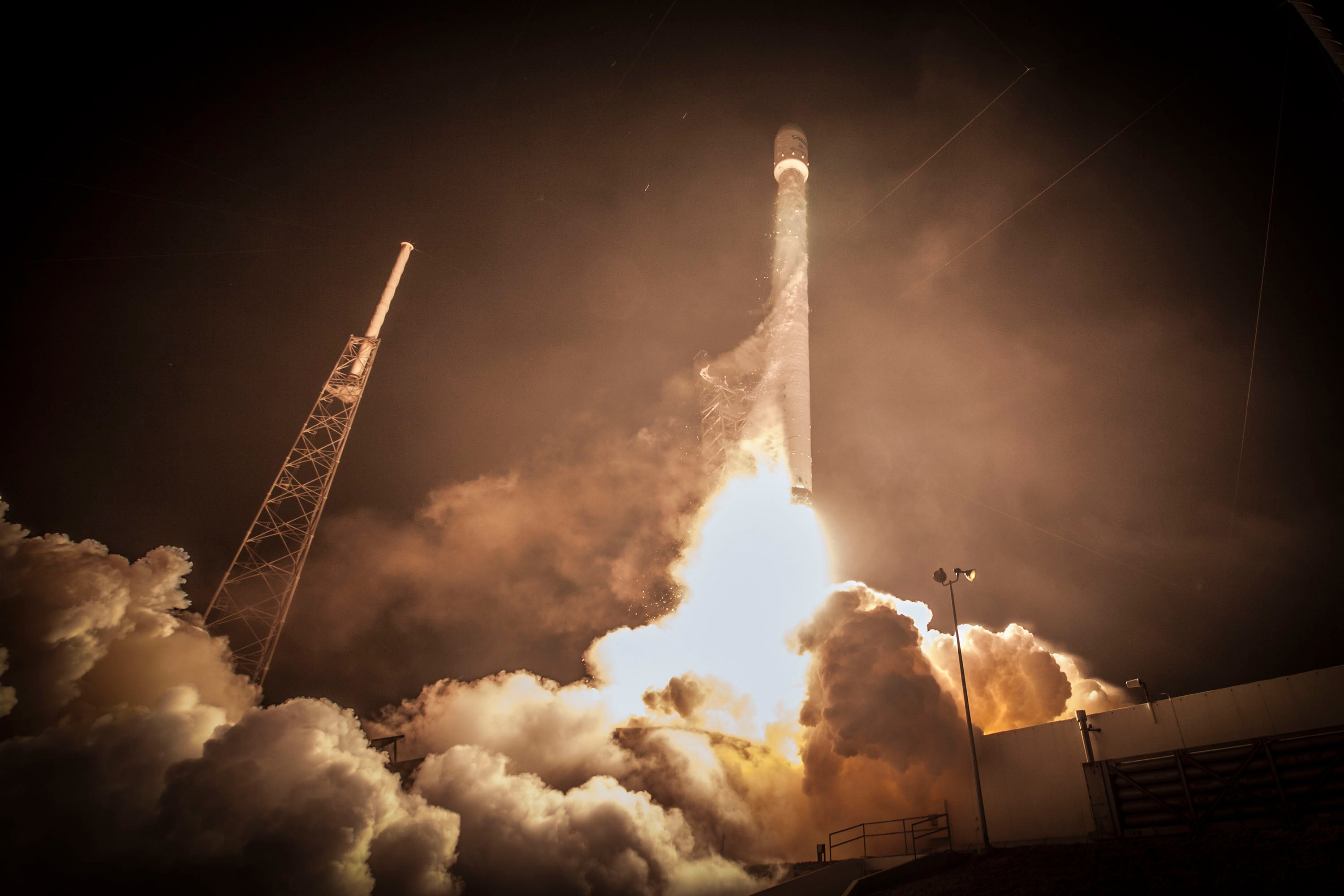 Watch Falcon 9 Rocket (Which Even SpaceX Thinks Will Crash) Launch Live