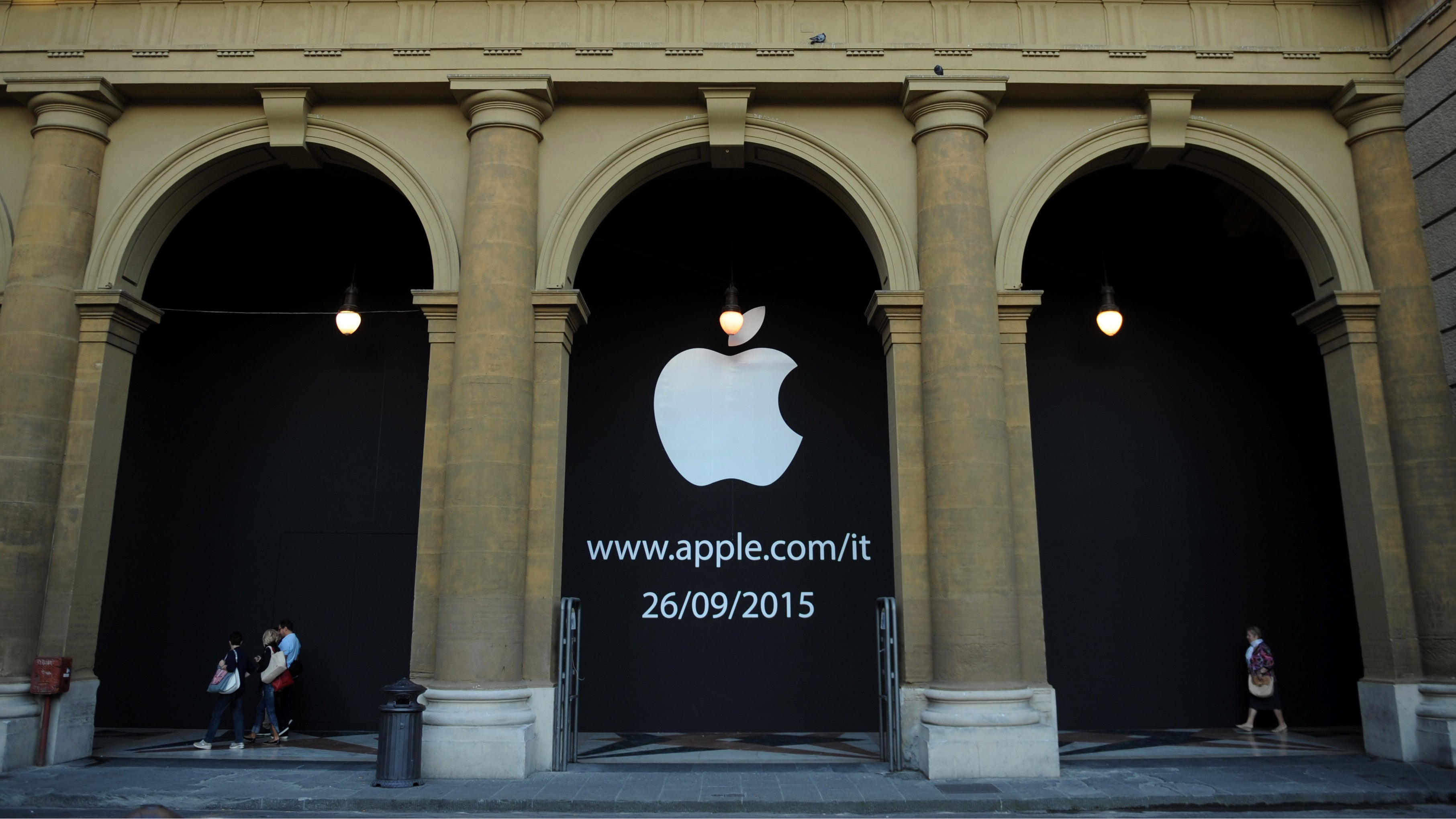Despite Tim Cook's Trashtalking, Apple Will Pay Italy $US348 ($477) Million in Back Taxes