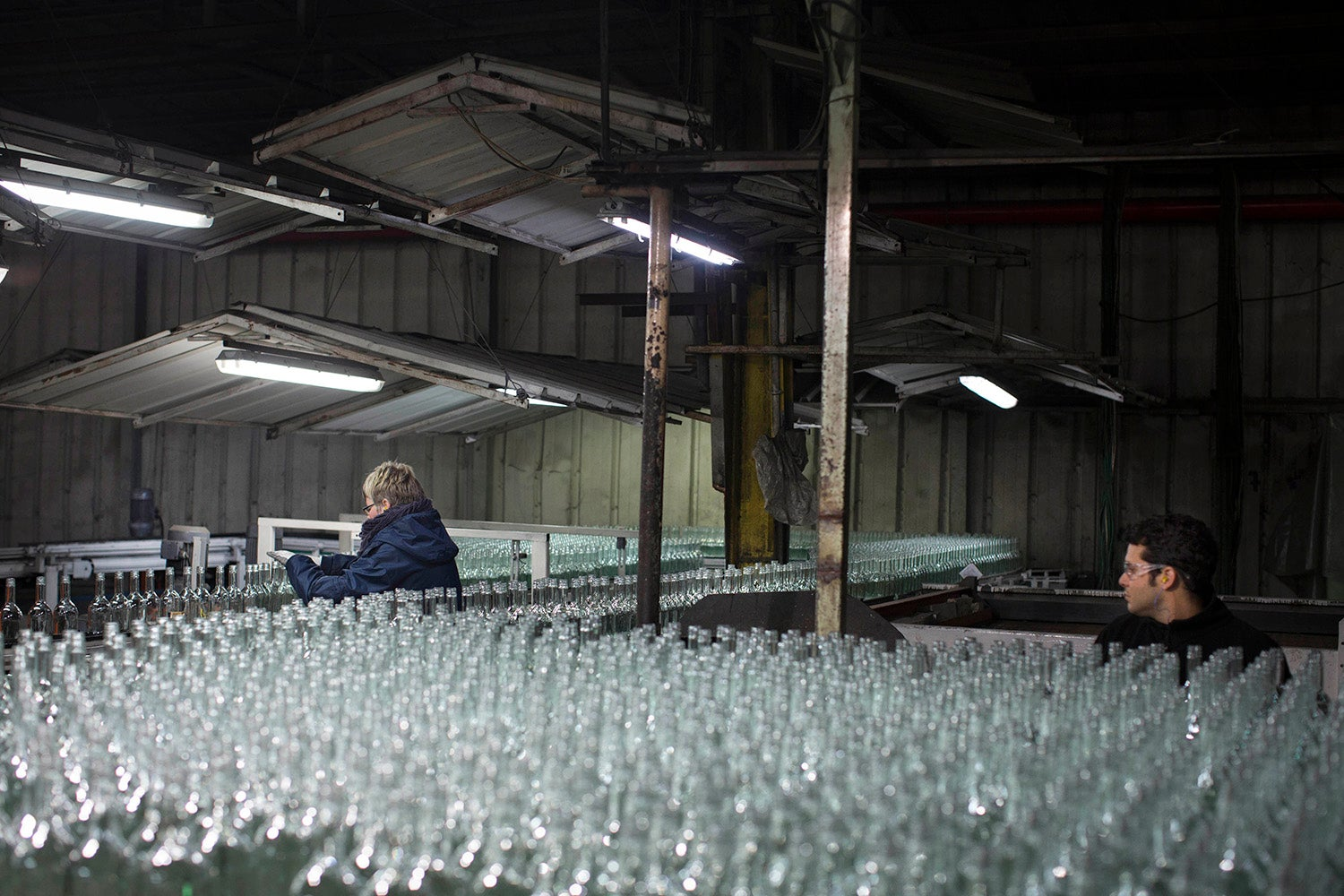 Israel's Only Bottle Factory Turns Desert Sand Into Mountains of Glass