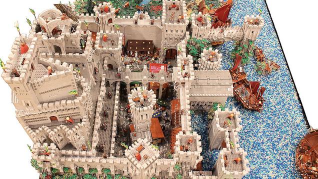 That 39 s how you build a giant lego castle kotaku australia for Fortress build
