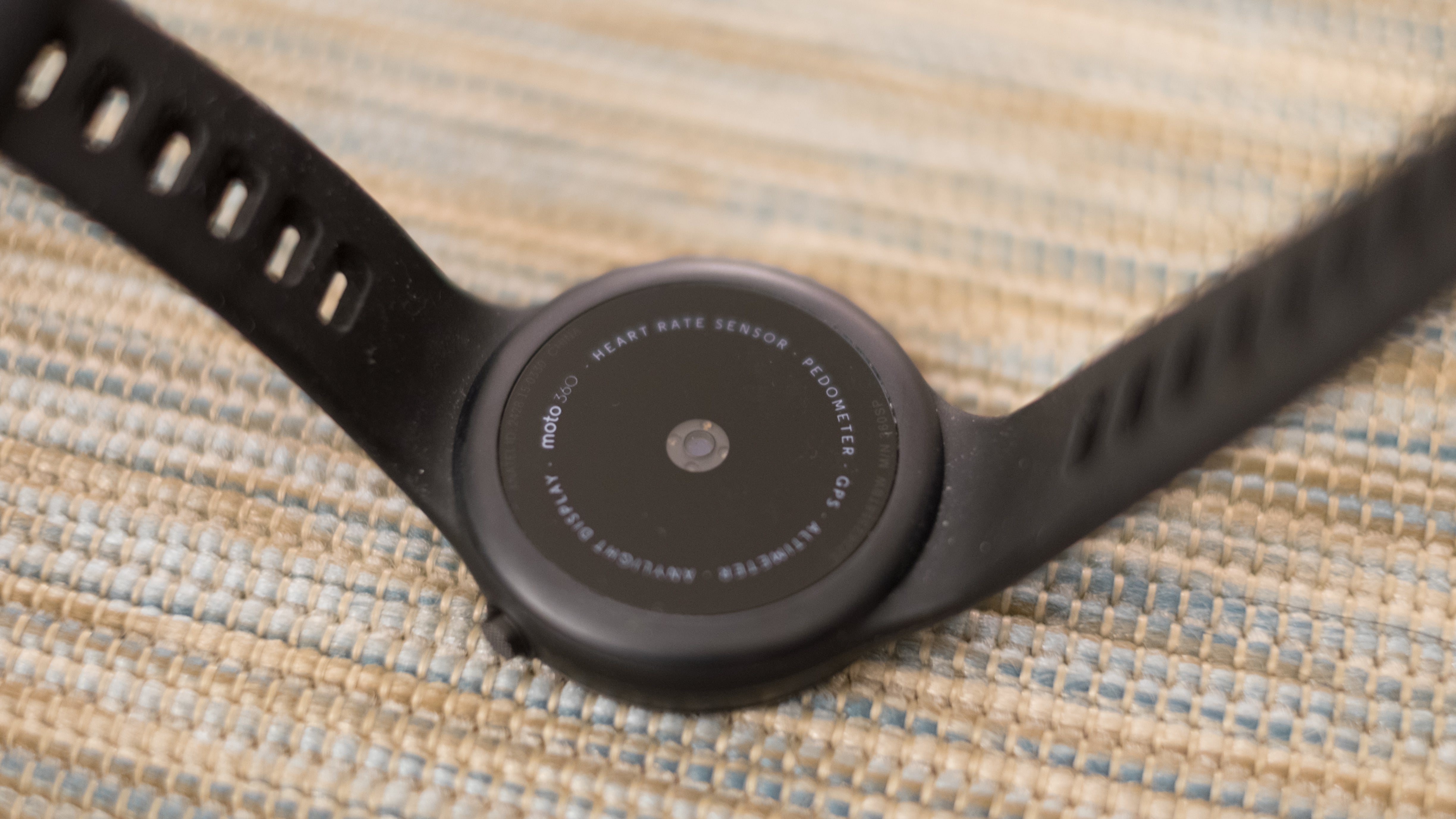 Moto 360 Sport Review: Horrible Software Sinks It