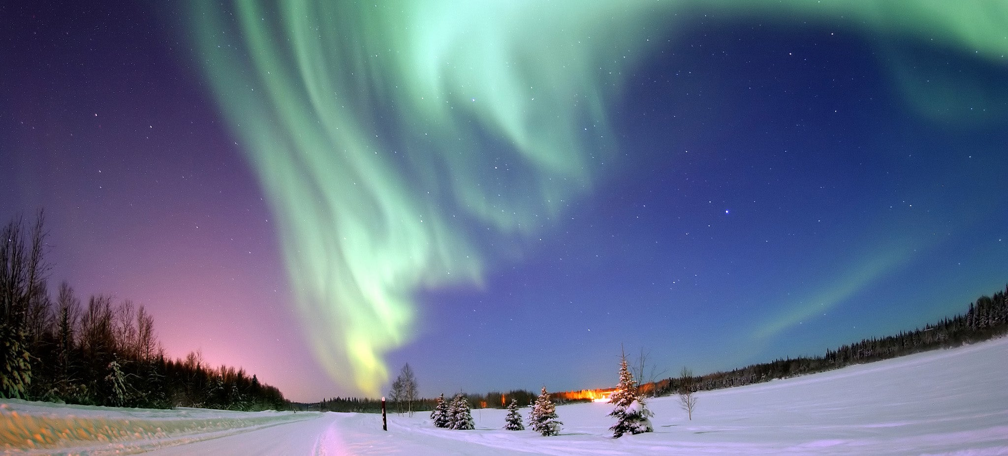 The Northern Lights Screw Up Arctic Drilling Operations