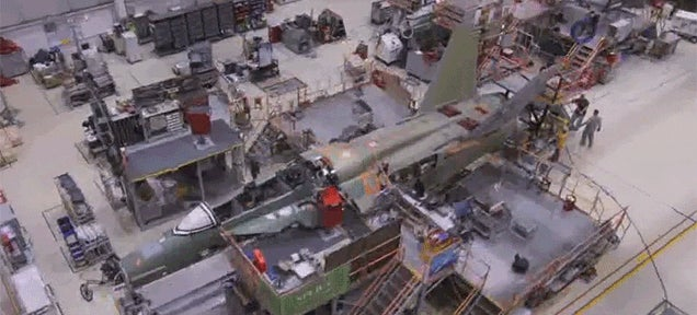 How a F-18 Super Hornet Gets Built from Beginning to End